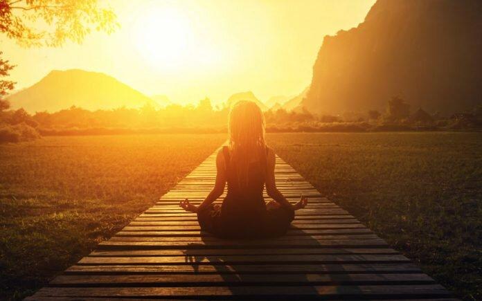 Медитация делает людей лучше. Или нет?