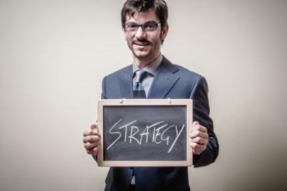 советник илан стратегия